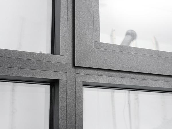成图百灵鸟带你了解无缝焊接断桥窗生产加工的流程